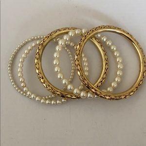 NEW 5PCS pearl and gold bracelets set